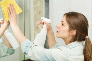 Jak poradzić sobie z zaparowanym lustrem? Sprawdź nasz poradnik